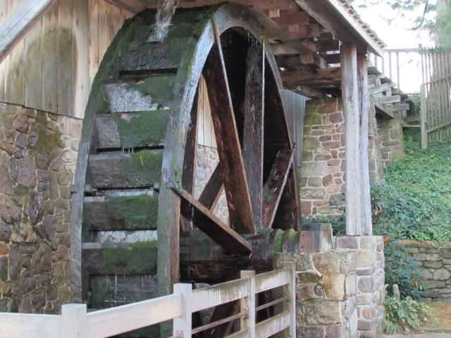 The water wheel at Peddler's Village